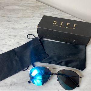 DIFF Blue Sunglasses